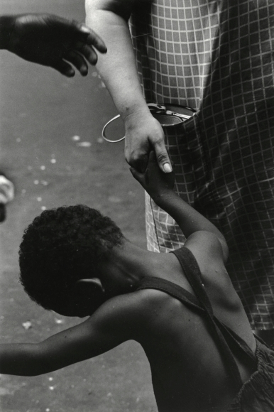 James Karales - Lower East Side, New York, 1969 - Howard Greenberg Gallery
