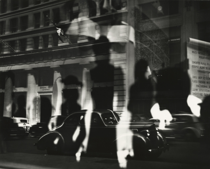 Lisette Model - Reflections, Rockefeller Center, New York, c.1945 - Howard Greenberg Gallery