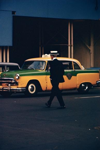 Saul Leiter - Man in Straw Hat, c.1955 - Howard Greenberg Gallery