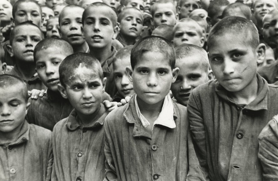 "David Seymour ""Chim"" - Boys in Albergo dei Poveri Reformatory, Naples, Italy, 1948 - Howard Greenberg Gallery"