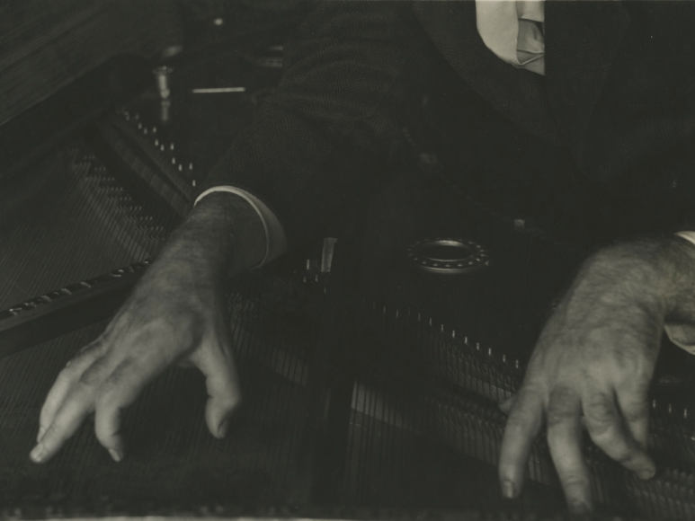 Imogen Cunningham - Hands of Henry Cowell, c.1926 - Howard Greenberg Gallery