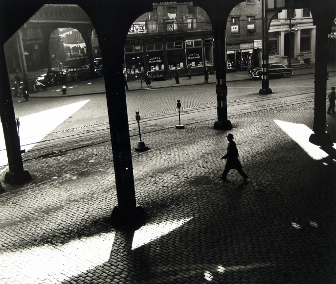 Rebecca Lepkoff - Under the 3rd Ave. El, 1947 - Howard Greenberg Gallery