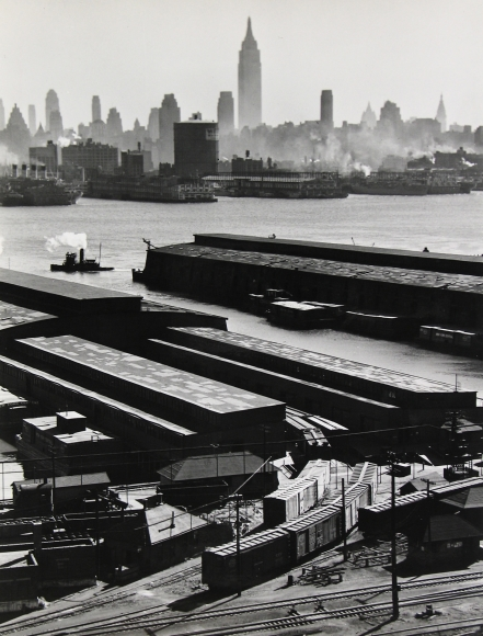 Esther Bubley - Weehawken, New Jersey, 1946 - Howard Greenberg Gallery