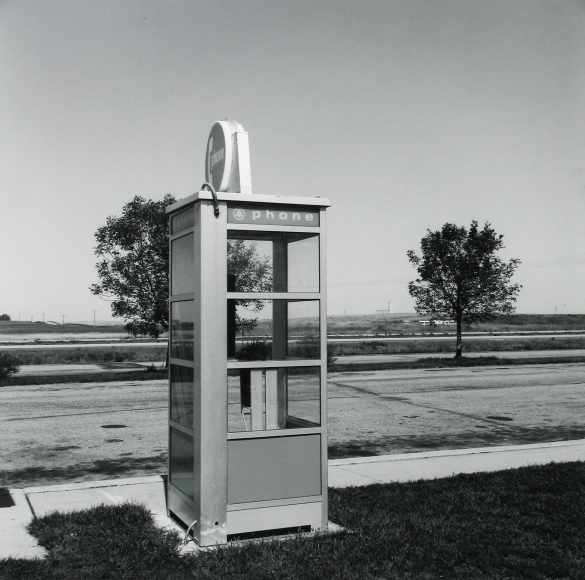 Frank Gohlke - Phone booth, Chickasha, Oklahoma, 1974 - Howard Greenberg Gallery