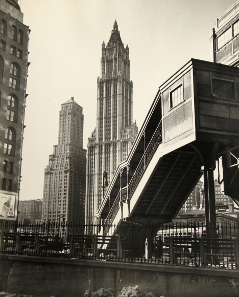 Rebecca Lepkoff - City Hall Station, 1946 - Howard Greenberg Gallery