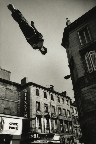 Marc Riboud - Trampoline, Bordeaux, France, 1987 - Howard Greenberg Gallery