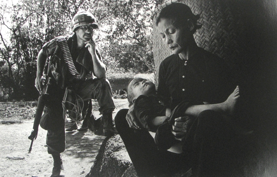 Philip Jones Griffiths - Quang Ngai, 1967- Howard Greenberg Gallery
