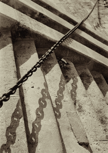 Imre Kinszki - Untitled, c.1930 - Howard Greenberg Gallery