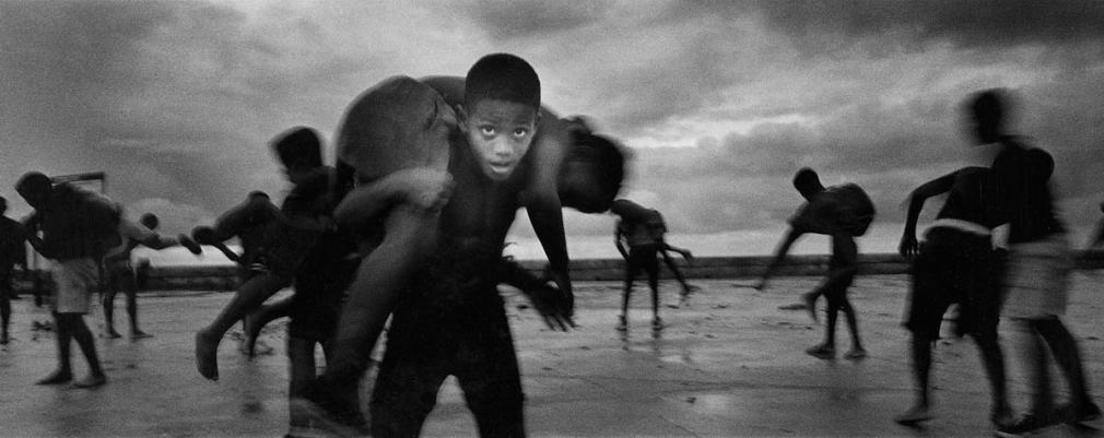 Ernesto Bazan, Cuba, Isla, Sous Les Etoiles Gallery, wrestlers, beach, Havana, panoramic