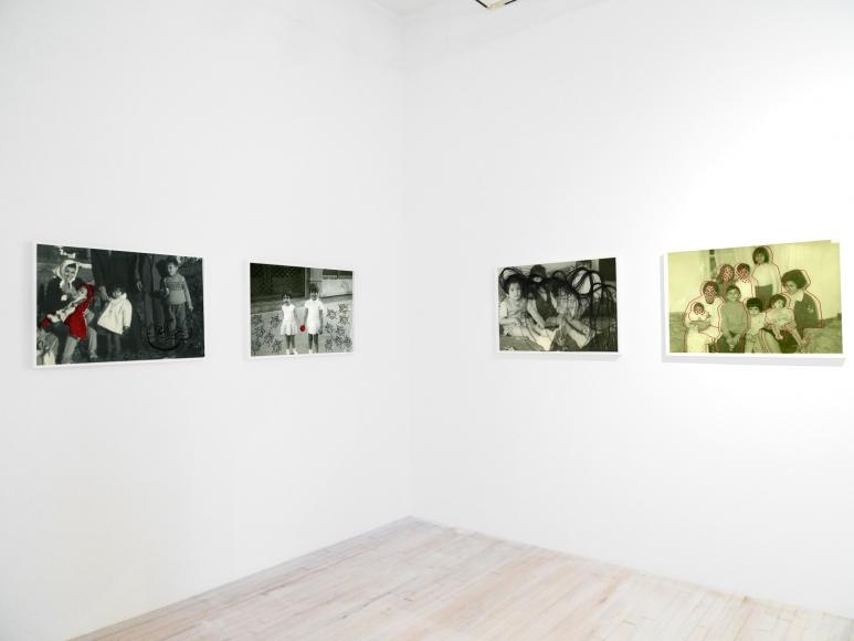 Carolle Bénitah, Photos-Souvenirs installation, Sous Les Etoiles Gallery