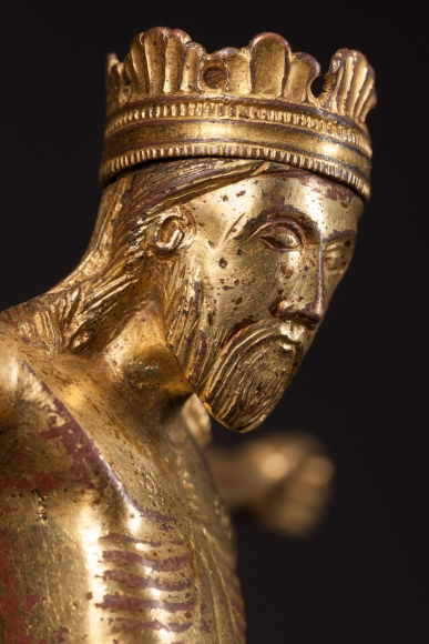 A gilded bronze corpus of Christ Triumphant, c. 1200, Detail