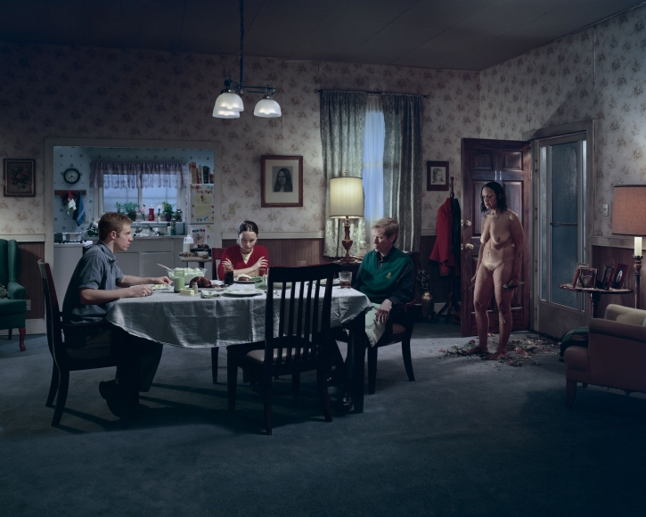 Gregory Crewdson, Untitled (family dinner), 2001-2002