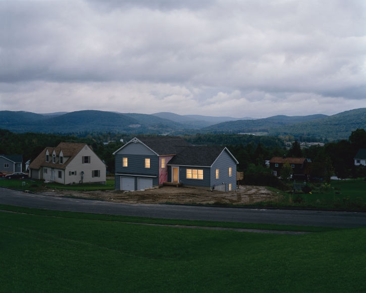 Gregory Crewdson, Untitled (empty house), 2001-2002
