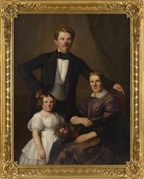 Hans-Peter Feldmann, Family portrait with red nose
