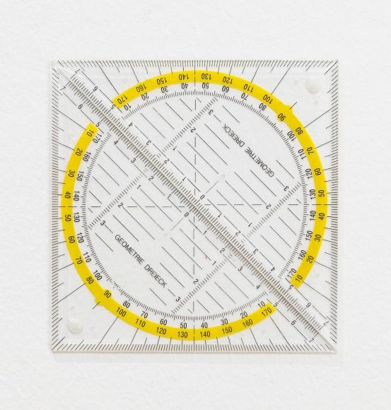 Ceal Floyer, Circle, 2015