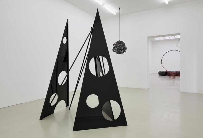 Eva Rothschild, Installation view: Hot Touch, Kunstverein Hannover, 2011