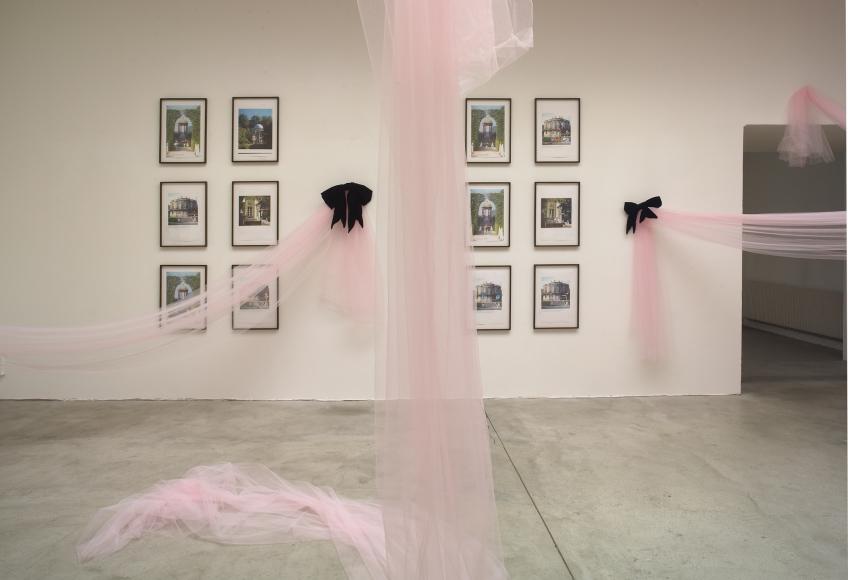 Karen Kilimnik, Installation view: Le Consortium, Dijon, France, 2007