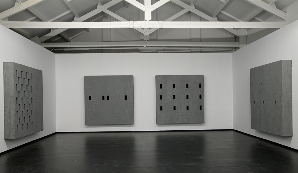Valentin Carron, Installation view: Fibre, Fibre, Austère, Austère, La Conservera Centro de Arte Contemporáneo, Ceuti, Murcia, Spain, 2010