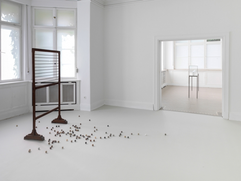 Alicja Kwade, Installation view: Monologue from the 11th Floor,  Haus am Waldsee, Berlin, 2015