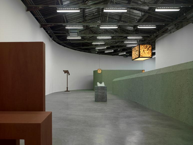 Valentin Carron, Installation view: Pergola: Monsieur, Palais de Tokyo, Paris, 2010