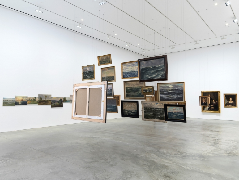Hans-Peter Feldmann, Exhibition view: 303 Gallery, 2016