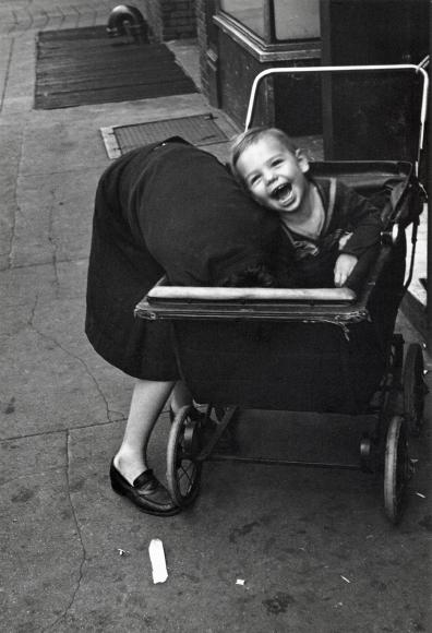 Helen Levitt NYC 19425