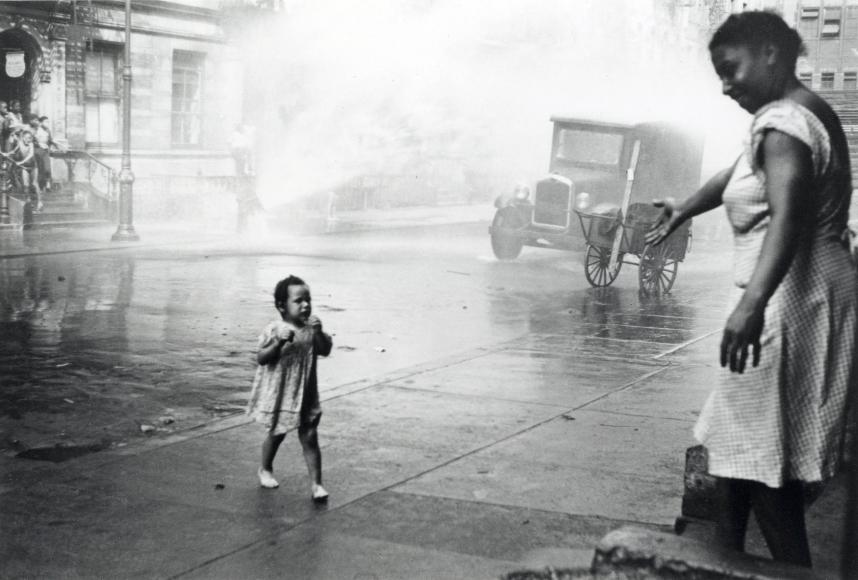 Helen Levitt NYC 1942