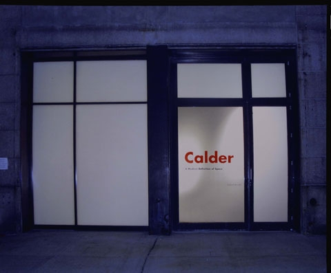 A modern definition of space calder exhibitions van for Art moderne definition