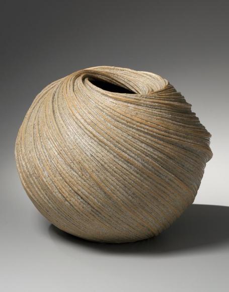 Sakiyama Takayuki, Large swirling vessel with diagonally incised linear patterning with orange edges, 2013, Stoneware with sand glaze, Japanese contemporary ceramics, Japanese sculpture