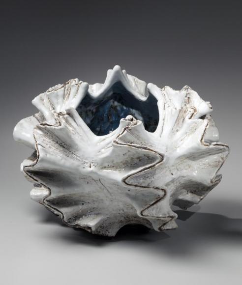 Koike, Shoko, Koike Shoko, white, shell, sculpture, contemporary, clay, Japanese, ceramics, pottery, flaring, edges, glaze, lid, stoneware, white, silver, 2014