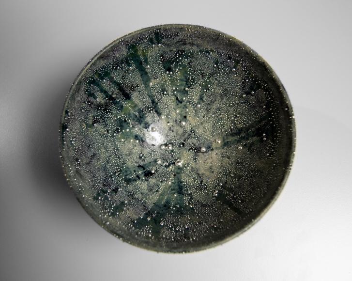 Kondo, bluegreen, teabowl, Kondo Takahiro, contemporary, ceramics, clay, Japanese, Japanese ceramics, pottery, sculpture, object, glaze, porcelain, silver, mist, overglaze, over-glaze, ginteki, gintekisai, 2015, chawan