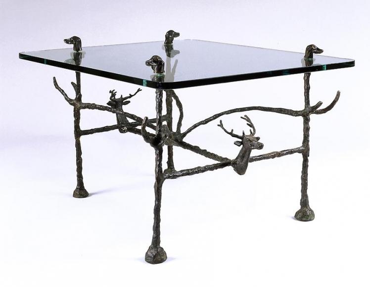 Table basse trapézoïdale de chasseurs, modèle aux cerfs et aux chiens, ca. 1963