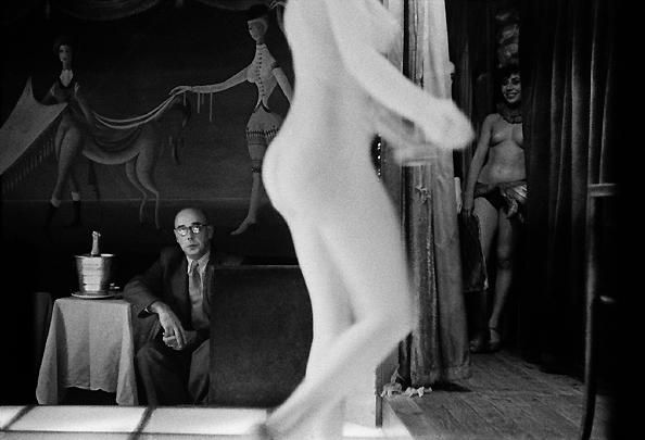 Le Sphynx, rue Pigalle, Paris, France (h), 1956