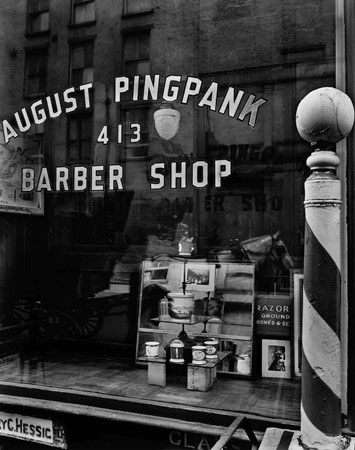 August Pingpank Barbershop, New York, 1935
