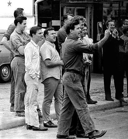 Hecklers, Selma to Montgomery, Alabama civil Rights March, March 24-26, 1965