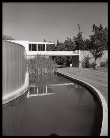 Von Sternberg House, Richard Neutra, Northridge, California, 1947