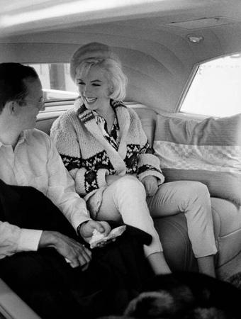 Marilyn Monroe and Wally Cox (in car), 1962