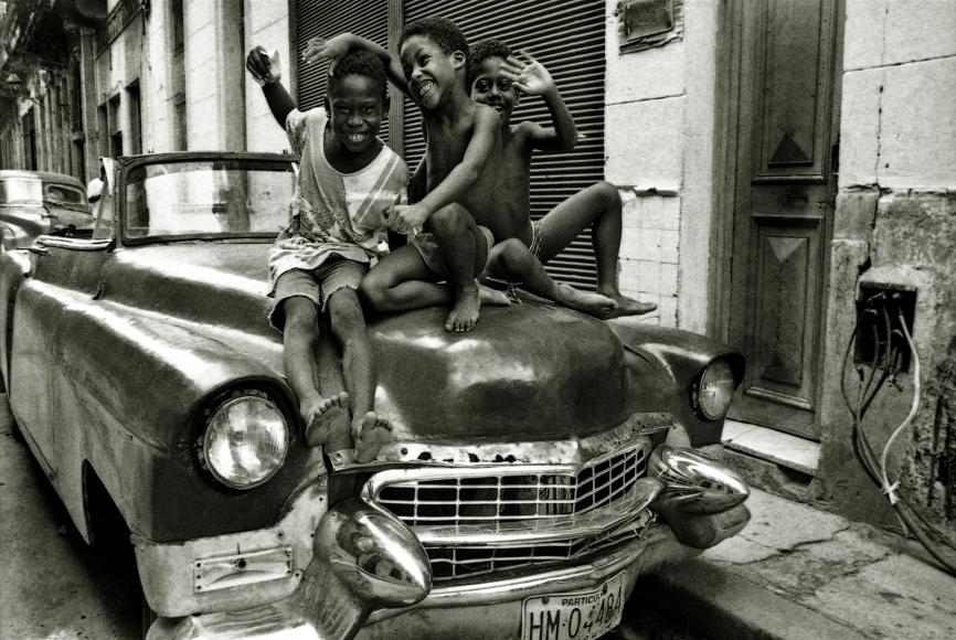 Lisette Solórzano, Niños jugando sobre carro americano
