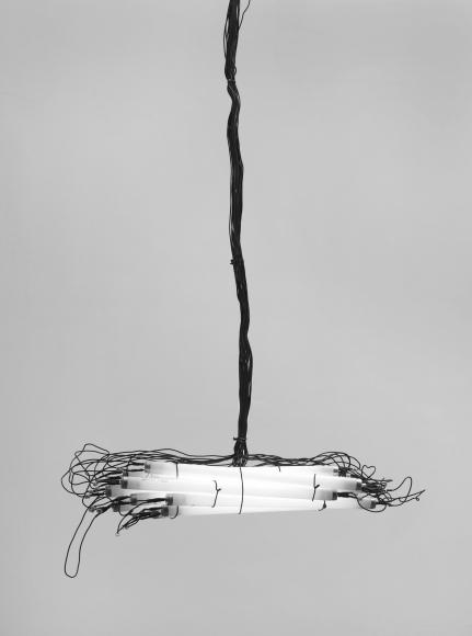 MONICA BONVICINI, Kleine Lichtkanone(2009)