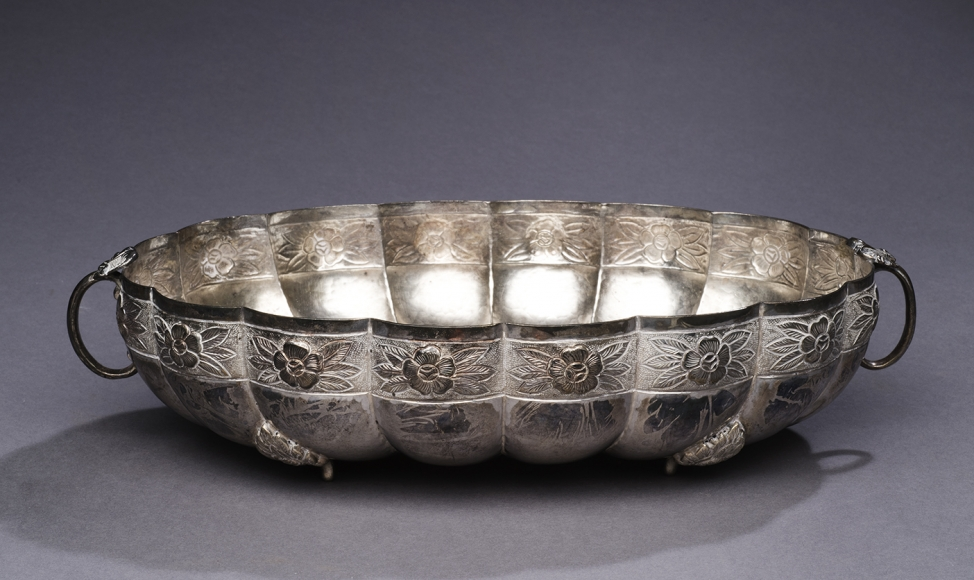 Oval Bowl with Aztec Rose Pattern