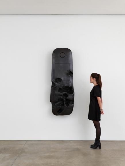 ERWIN WURM, Phone (Performative Sculptures), 2016