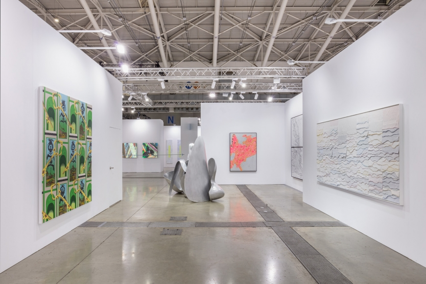 Installation view of Lehmann Maupin's booth at Taipei Dangdai art fair 2020, view 3