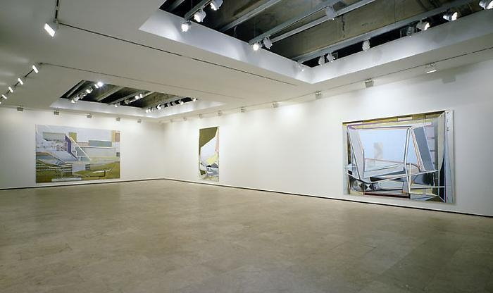 CHRISTIAN HELLMICH: The Array/Transfer-Domino Installation view 2