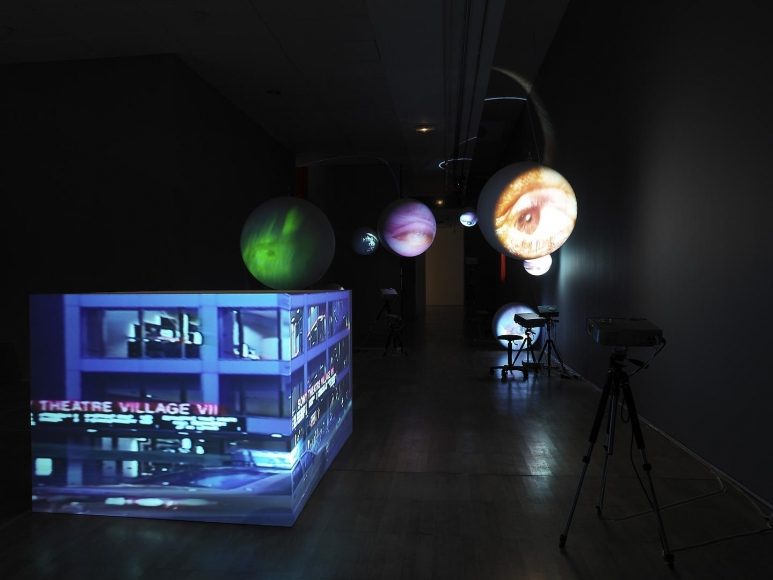 TONY OURSLER: Dispositifs