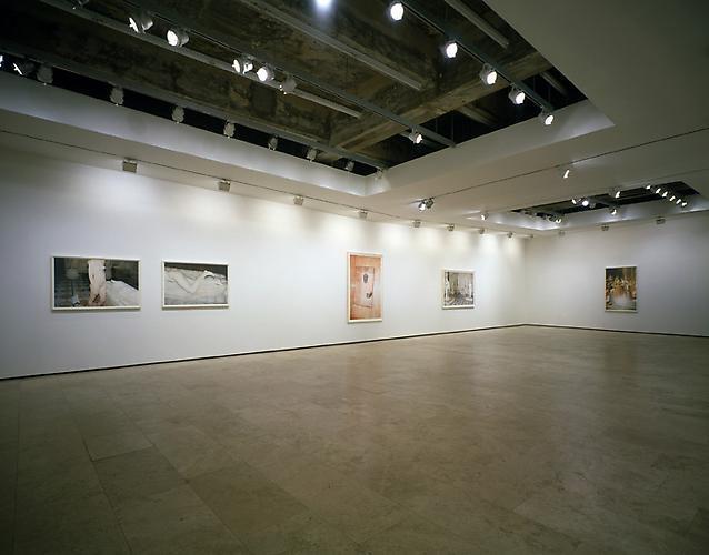 JUERGEN TELLER: Paradis, 2009 Installation view 1