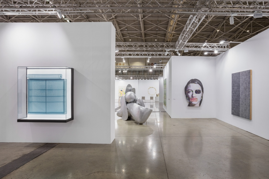 Installation view of Lehmann Maupin's booth at Taipei Dangdai art fair 2020, view 2