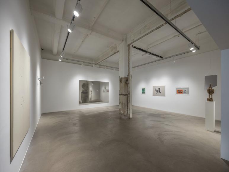 Kader Attia: Héroes Heridos Installation view 3