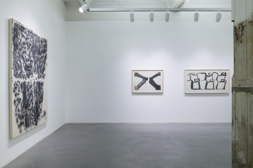 Sixth installation view of the group exhibition be/longing at Lehmann Maupin Hong Kong