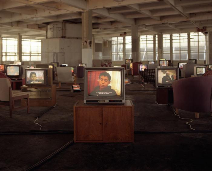 Kuba, 2004 Installation at the Sorting Office, London