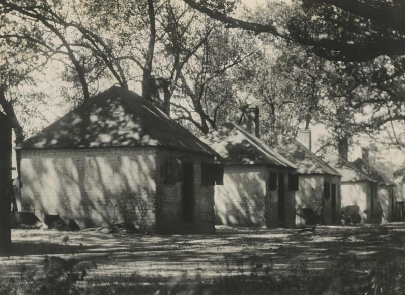 E. O. Hoppé - Savannah, Georgia, 1926   Bruce Silverstein Gallery